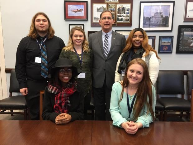 smackover-students-meet-with-senator-boozman
