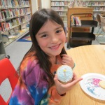 SES Students who met their AR Goals Enjoying Cookies Picture 16