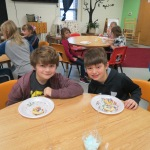 SES Students who met their AR Goals Enjoying Cookies Picture 21